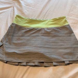 Lululemon pacesetter skirt, size 4